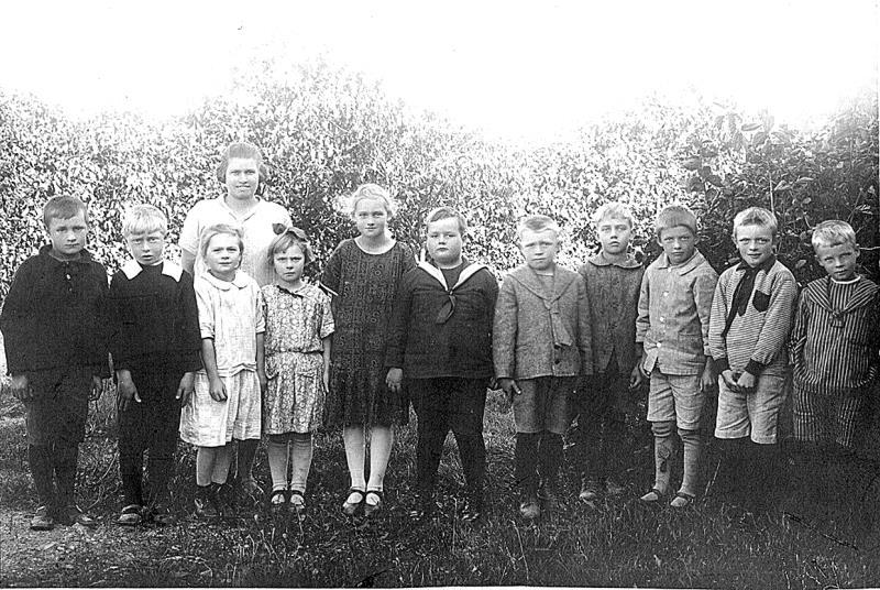 Bild 3498 Annexet - Småskolan Västerplana 1926