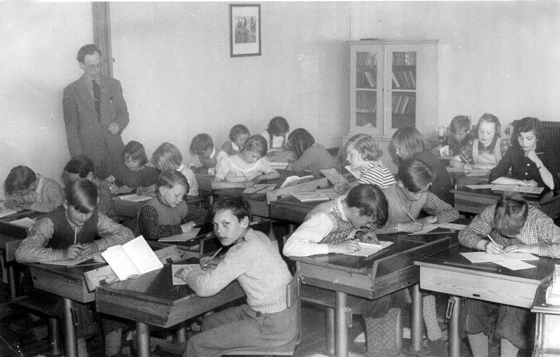 Bild 1299 Medelplana Skola