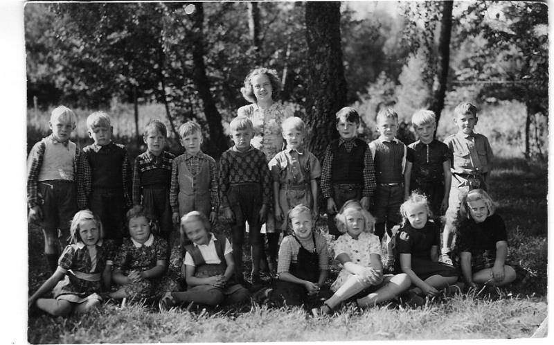 Bild3643 Hönsäters Skola Klass 1 o 2 1948