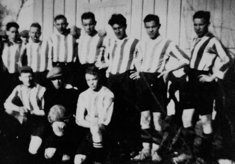 Bild1034 Fotbollslag i Hällekis IF