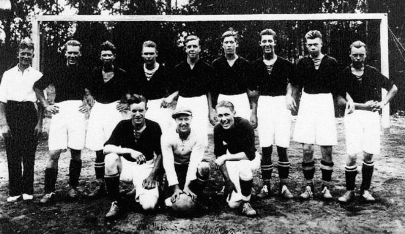 Bild1038 Fotbollslag i Hällekis IF B-lag 1934