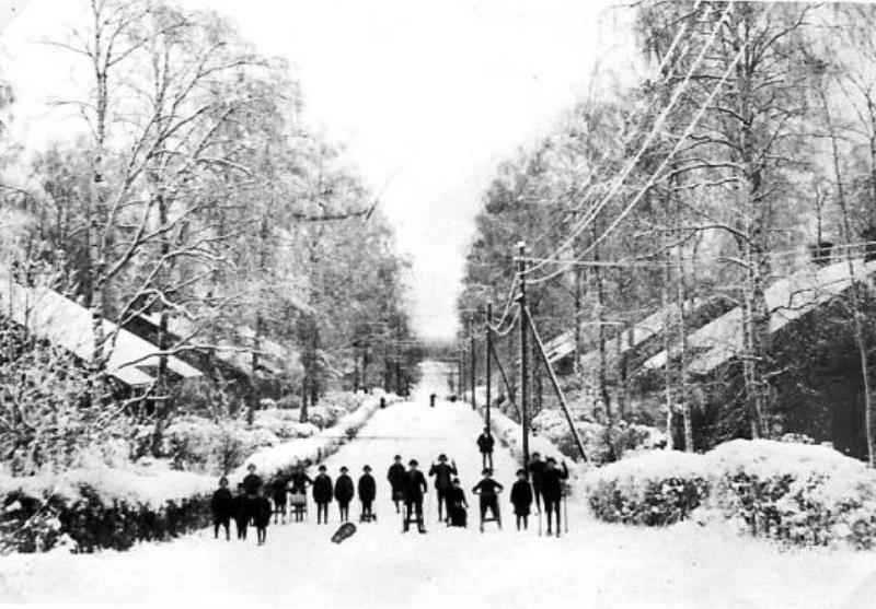 Bild1998 Hällekis Samhälle