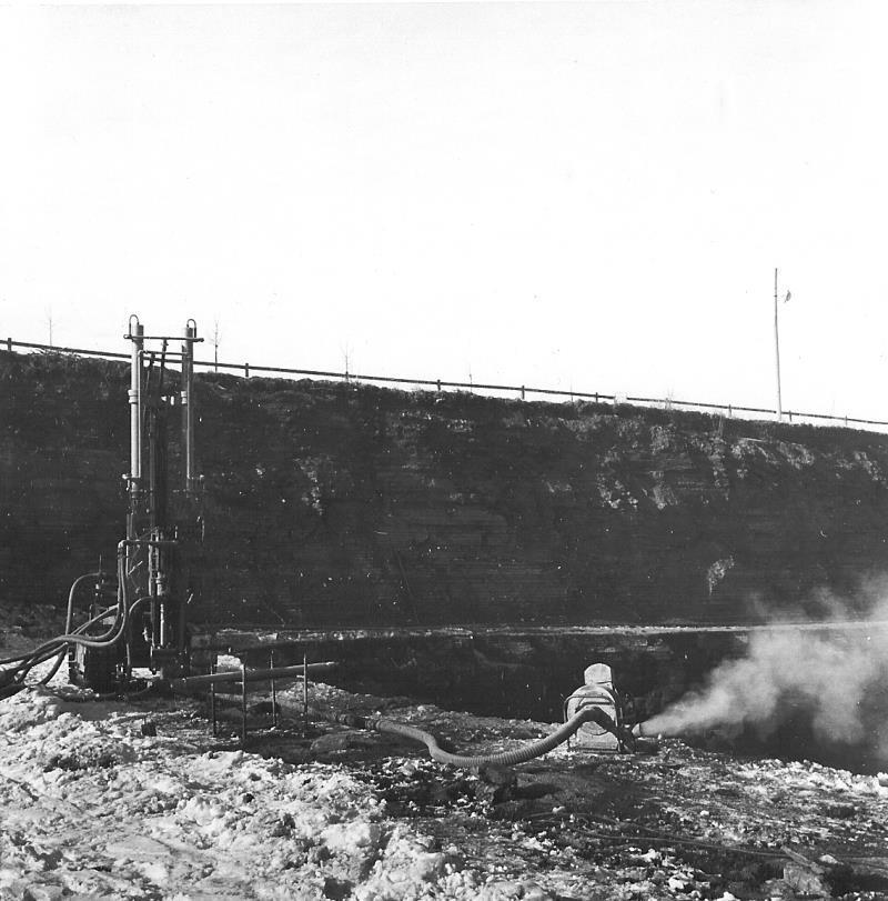 Bild5091 Cementfabriken Hällekis Brottet