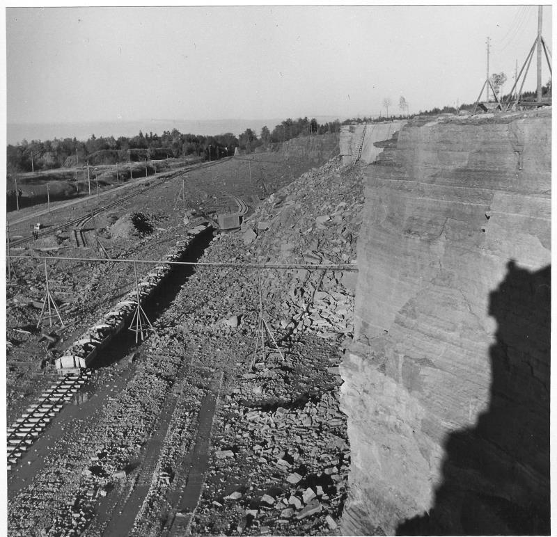 Bild5236 Cementfabriken Hällekis Brottet