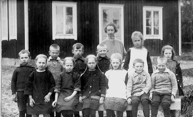 Bild 1o2: Klass 1o2 Årtal 1923-24.