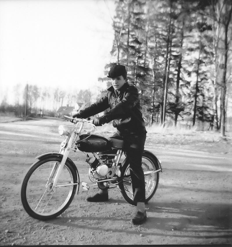 Bild1140 Div Bilder Ungdomar i Hällekis