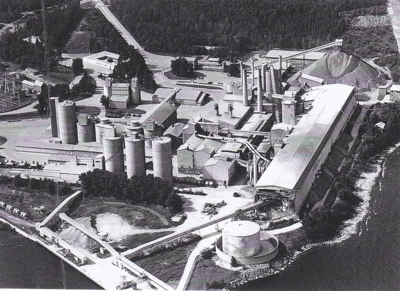 Bild4333 Rivning av Cementfabriken Hällekis