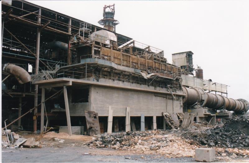 Bild4405 Rivning av Cementfabriken Hällekis