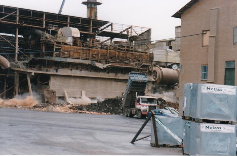 Bild4407 Rivning av Cementfabriken Hällekis