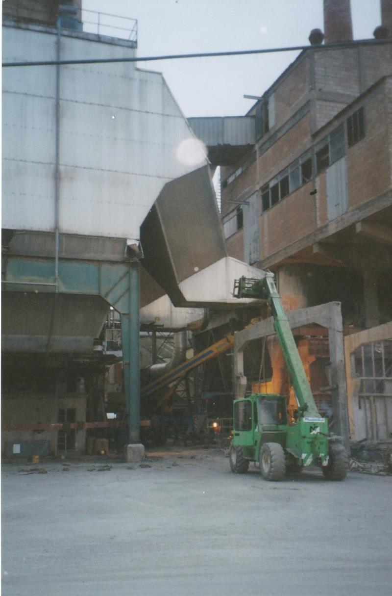 Bild4426 Rivning av Cementfabriken Hällekis
