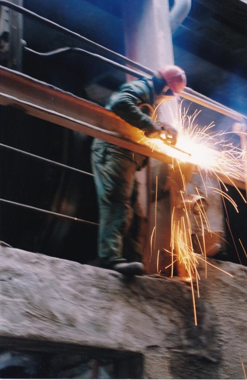 Bild4445 Rivning av Cementfabriken Hällekis