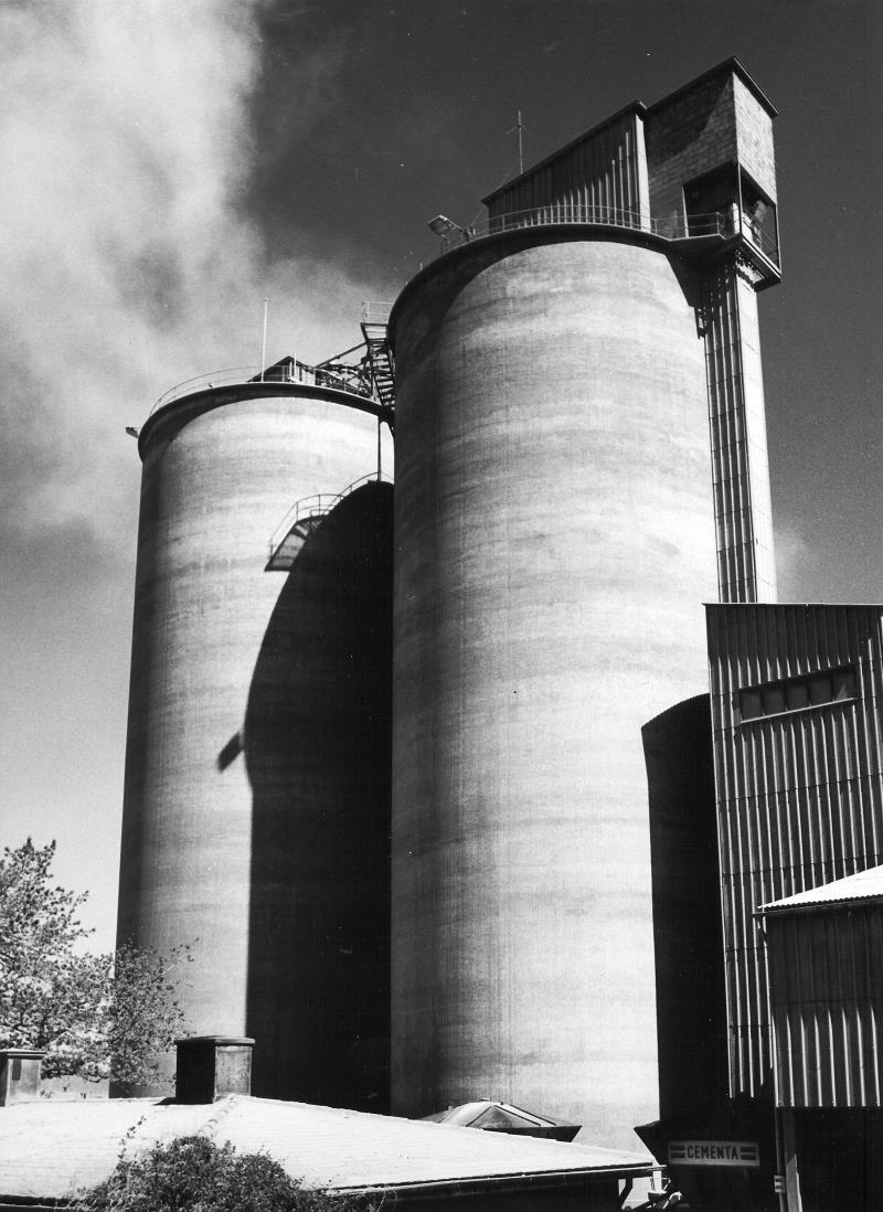 Bild4819 Cementfabriken Cementsilos och utlastning