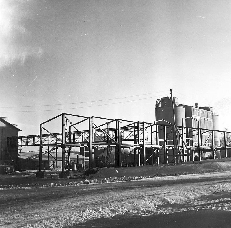 Bild4969 Cementfabriken Cementsilos och utlastning