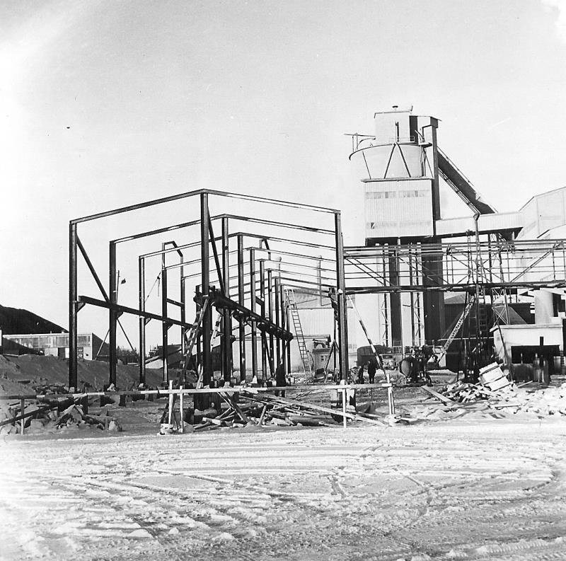 Bild4970 Cementfabriken Cementsilos och utlastning