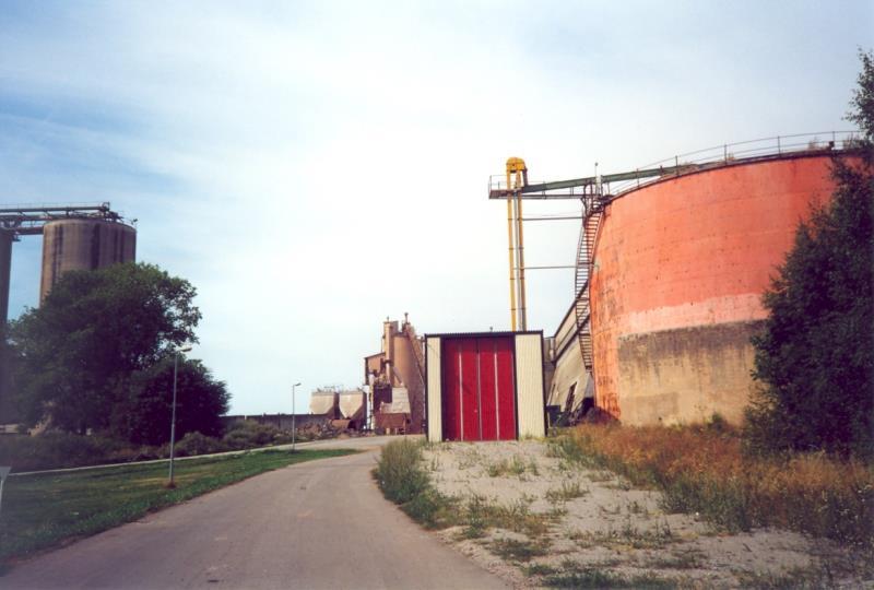 Bild3932 Rivning av Cementfabriken Hällekis