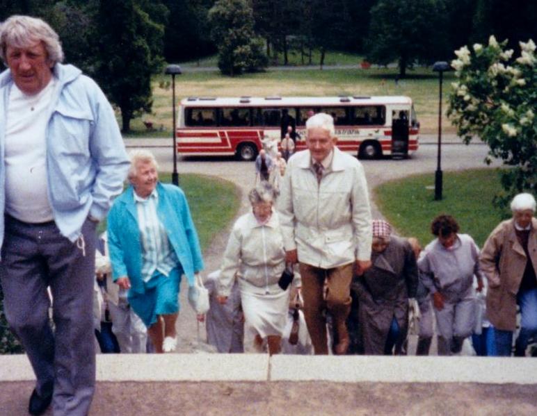 Bild3220 Pensionärer från Hällekis på 1980-talet