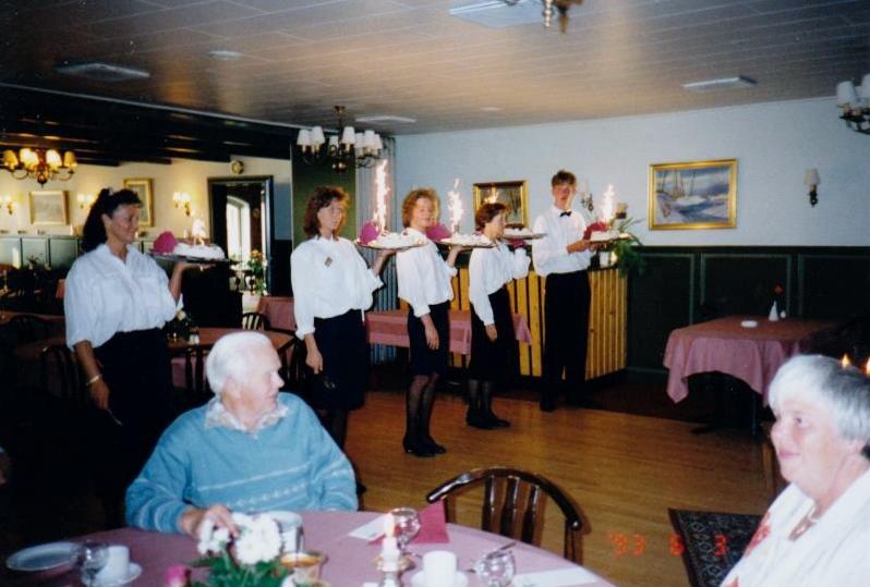 Bild3246 Pensionärer från Hällekis på 1980-talet