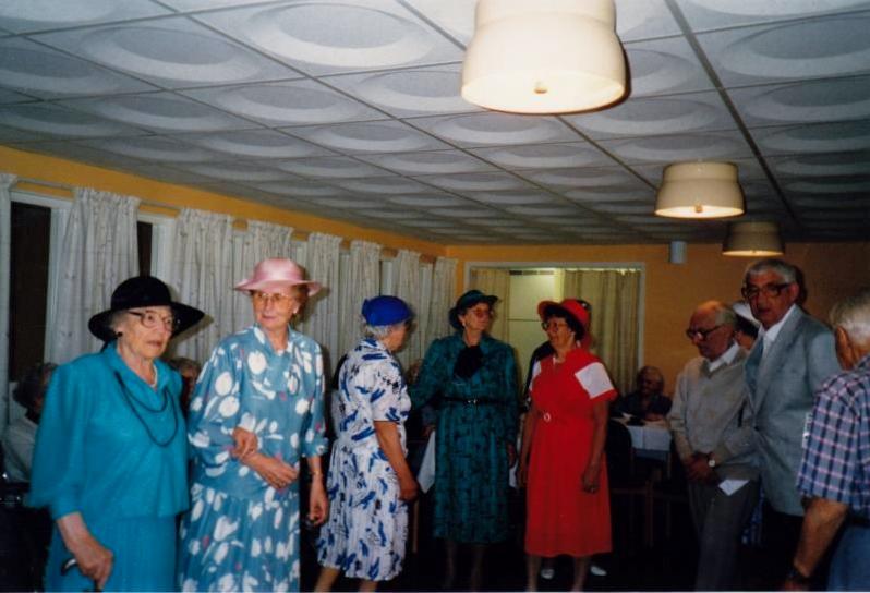 Bild3255 Pensionärer från Hällekis på 1980-talet