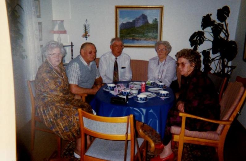 Bild3269 Pensionärer från Hällekis på 1980-talet