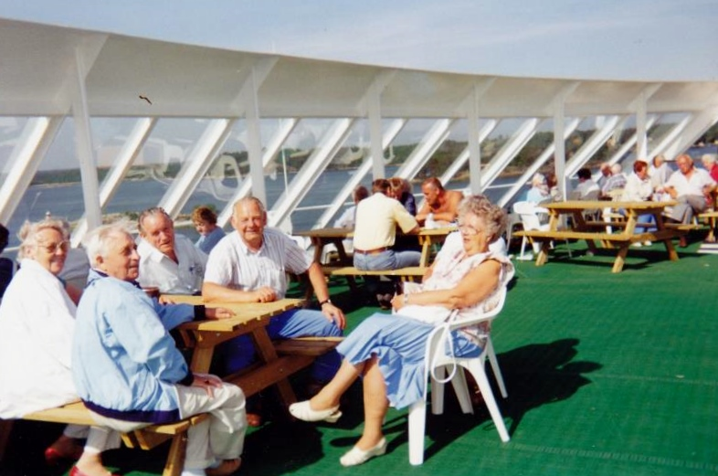Bild3296 Pensionärer från Hällekis på 1980-talet