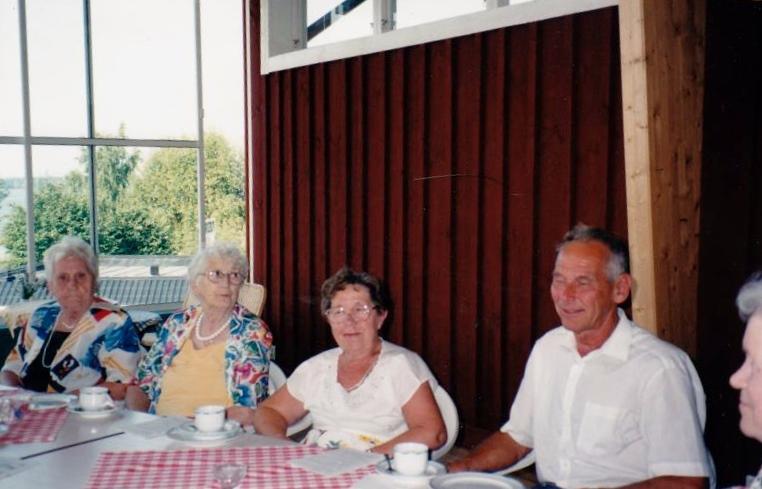 Bild3298 Pensionärer från Hällekis på 1980-talet