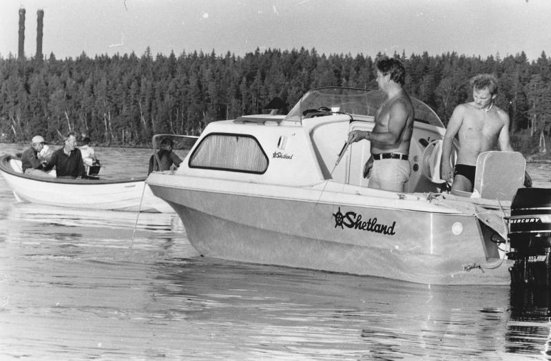 Bild1375 Hällekis div. bilder Fisketävling på Vänern.