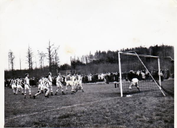 Bild5953 Fotboll på Hällehof Hällekis och LBK