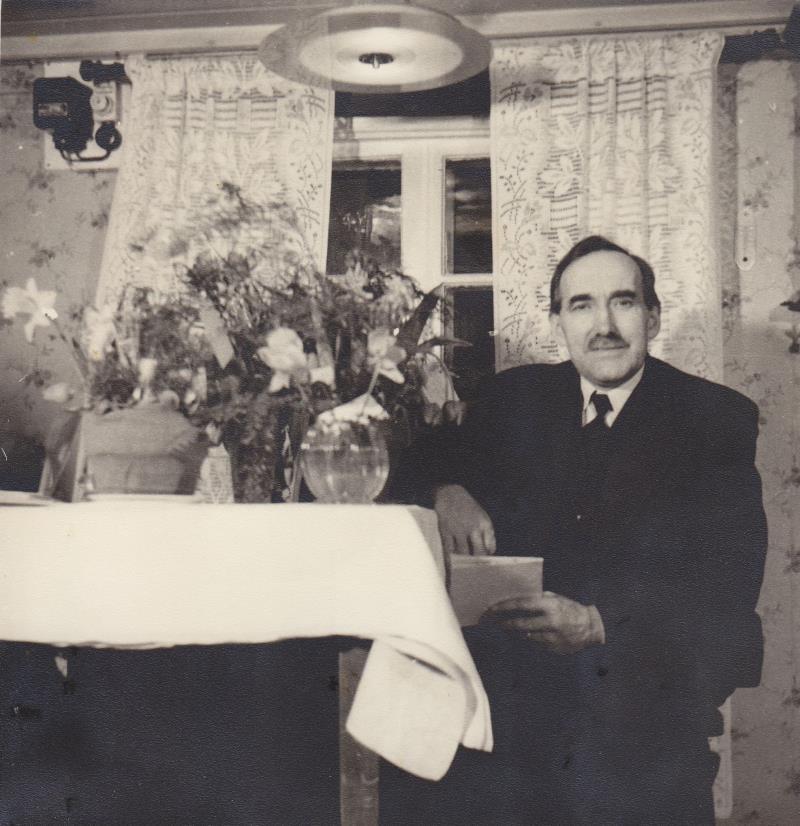 Bild5974 Skoghem 1951. Anton Lind fyller 60 år.