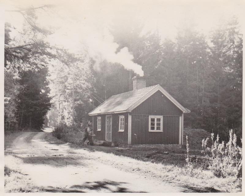 Bild5976 Skoghem 1951-52. Anton Lind och Roland.