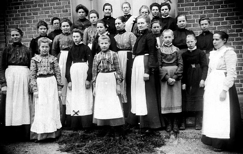 Bild5998 Vävkurs i Vävskolan Stakeklev Hällekis början på 1900-talet