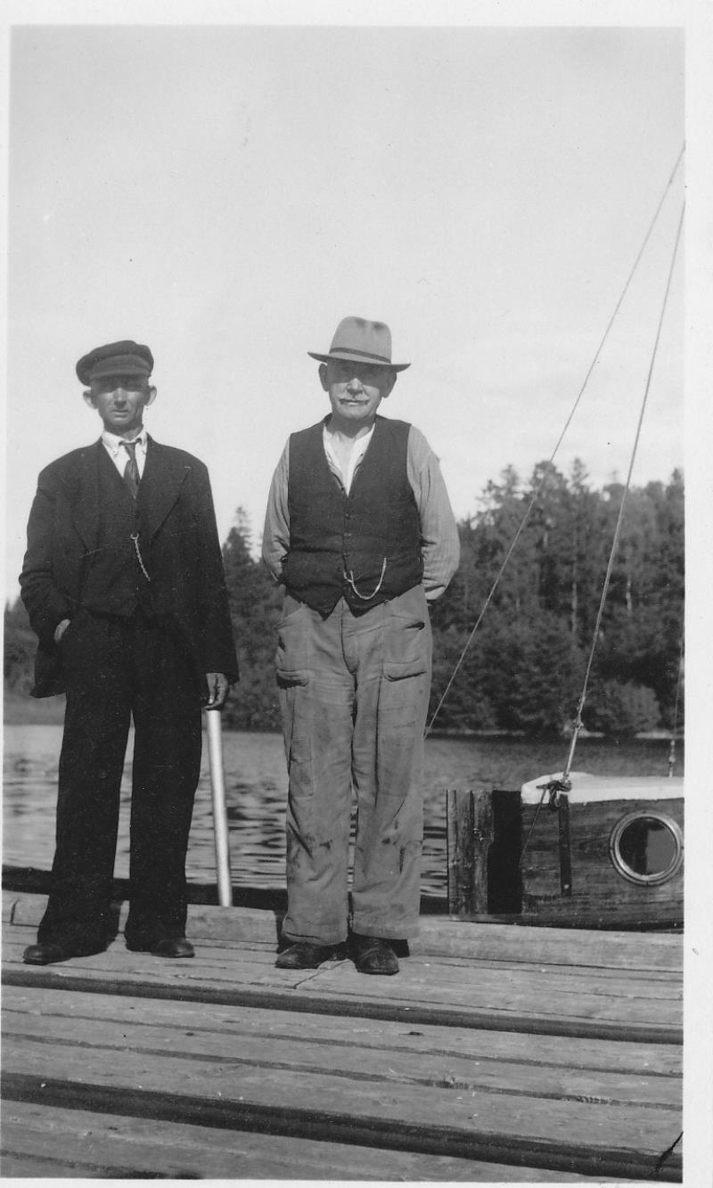 Bild978 Sommaren 1951 Åmålsbor Fyrvaktare Gustav Johansson Fogdens Fyr Åmål