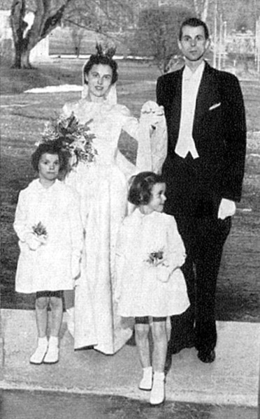 Bild 5279 Råbäcks Slott. Lillemor och Carl-Gustaf Klingspor samt Louise och Charlotte