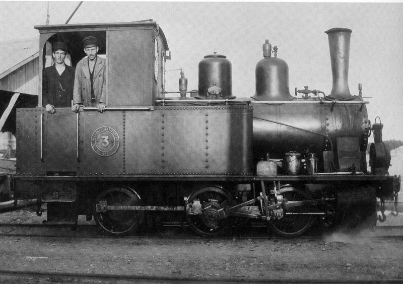 Lok nr 3, tillhörde Hellekis Aktiebolag, drog kalk- och godsvagnar från Hällekis till Hönsäter och Gössäter. Byggd hos Noab 1909 och skrotades 1952.