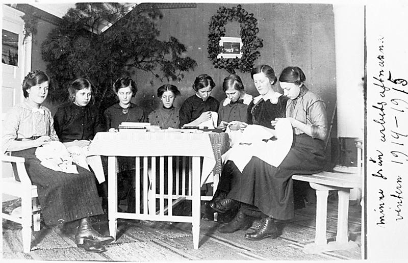 Bild 0745 Medelplana Ungdomen Bilden tagen 1914 Syförening