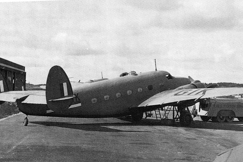 Utsiktstornet Kinnekulle Medelplana. Flygplanstypen som störtade på Kinnekulle