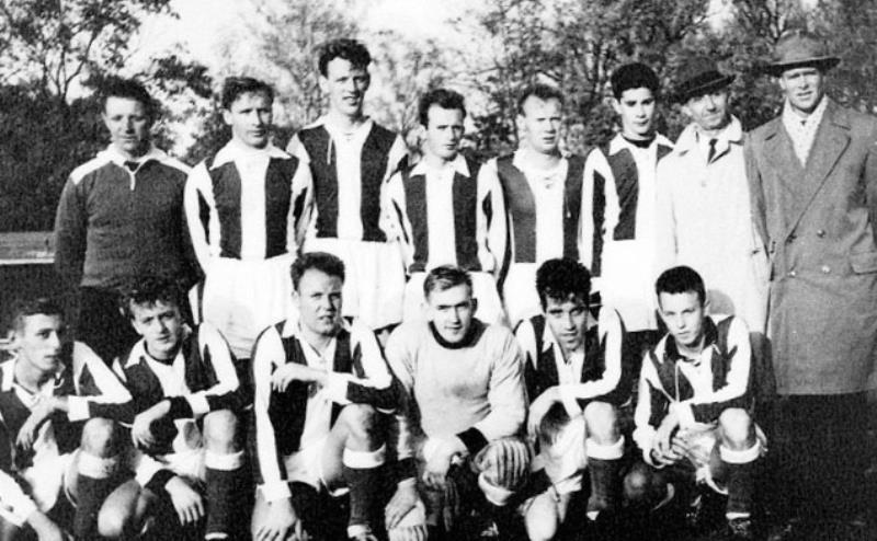 Bild1043 Fotbollslag i Hällekis IF