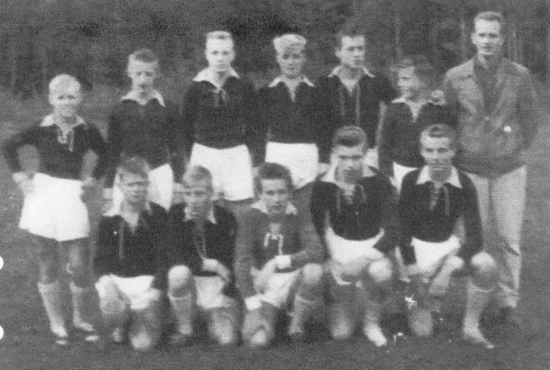 Bild1046 Fotbollslag i Hällekis IF Pojklag 1960