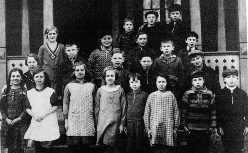Bild3613 Hönsäters Skola Klass 3 o 4 1932-33
