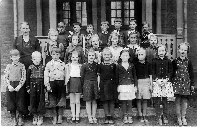 Bild3619 Hönsäters Skola Klass 1 o 2 1939