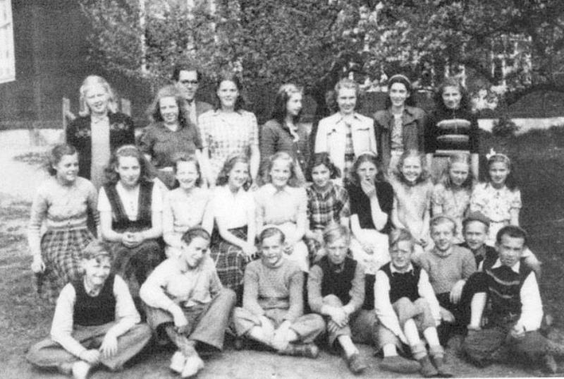 Bild3649 Hönsäter Storskola. Klass 5 o 7 1949