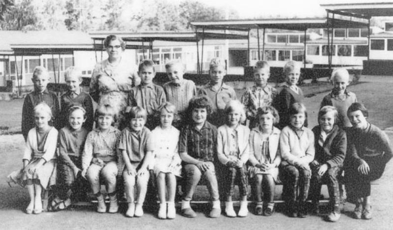Bild3659 Hällekis Skola Klass 1 o 2 1961-62
