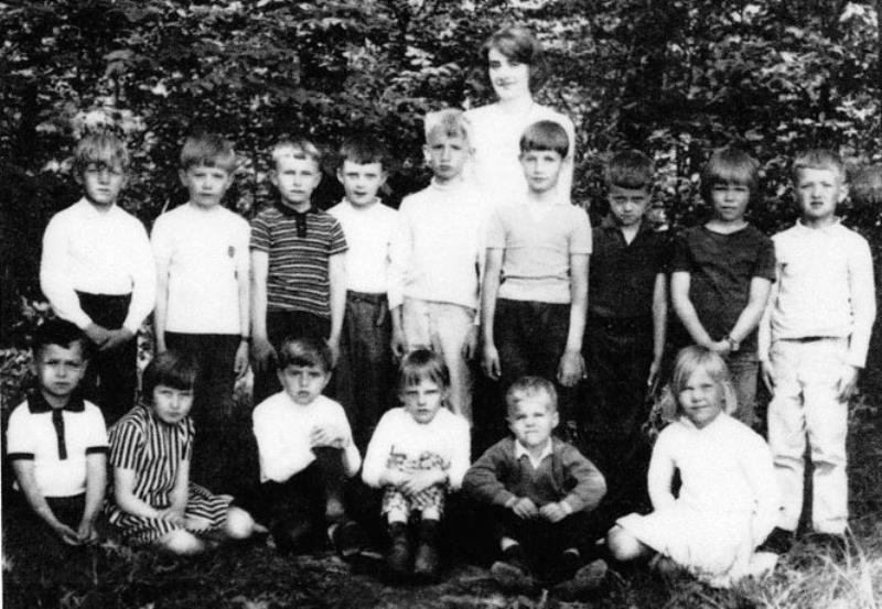 Bild3667 Hällekis Skola Klass 1 1965