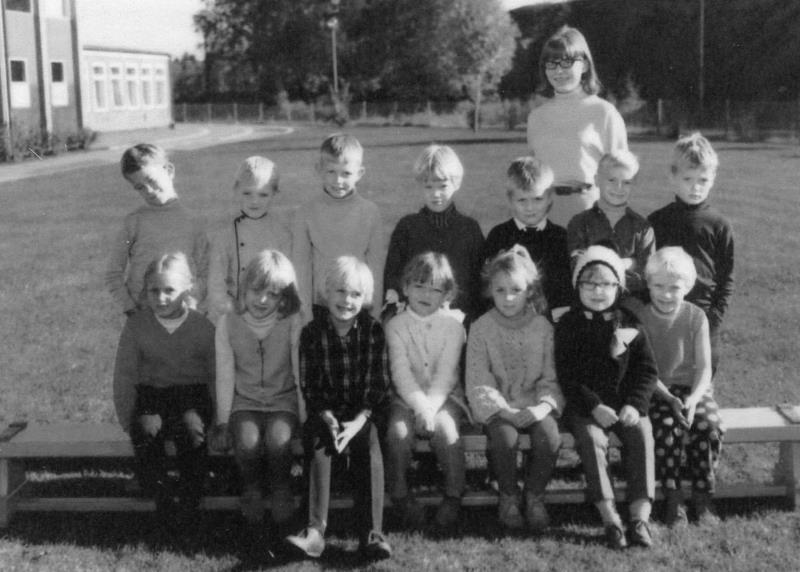 Bild3672 Hällekis Skola Klass 1 1967-68