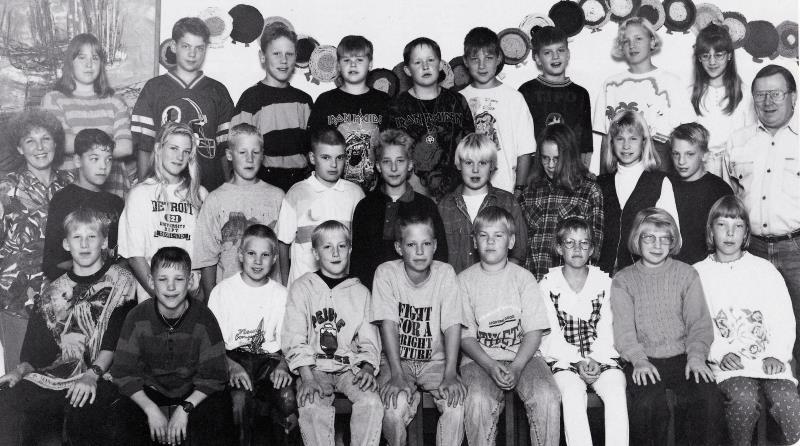 Bild5784 Hällekis Skola 1993-94