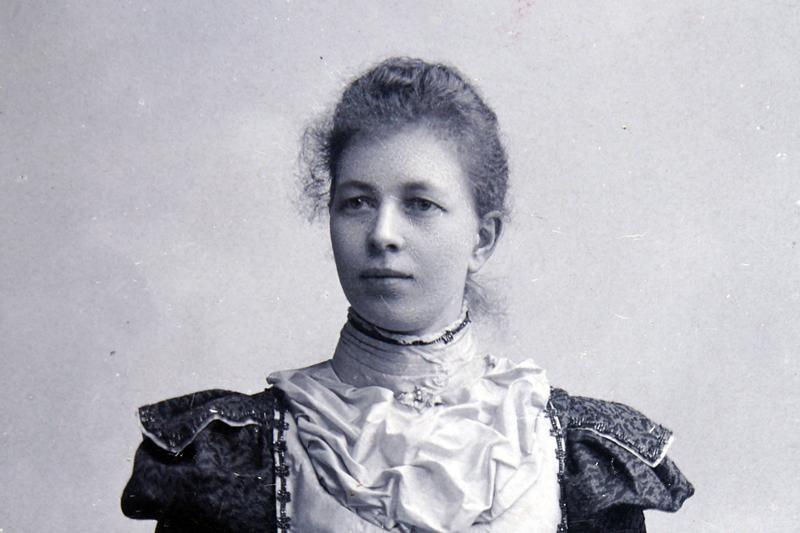 Bild 5859 Christina Cederlund (född 1869)LillegårdenMedelplanaFoto: 1899