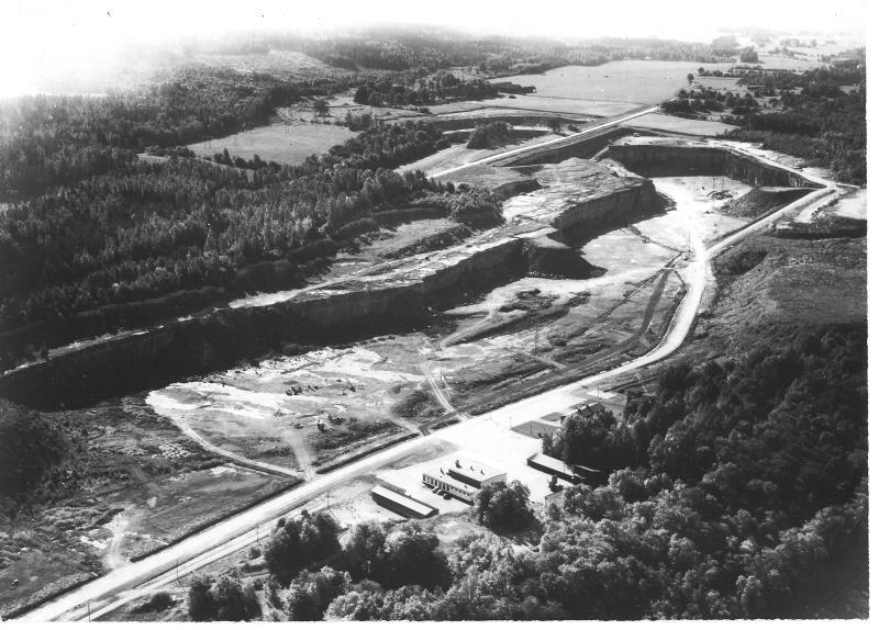 Bild5055 Cementfabriken Hällekis Brottet