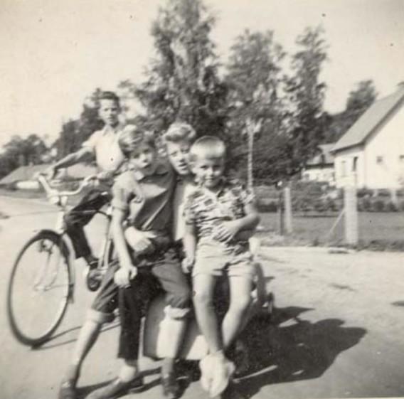 Bild1123 Div Bilder Ungdomar i Hällekis