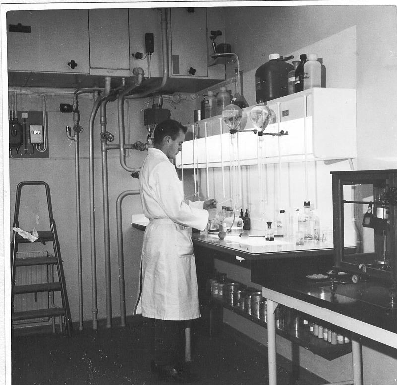 Bild4318 Cementfabriken Laboratoriet