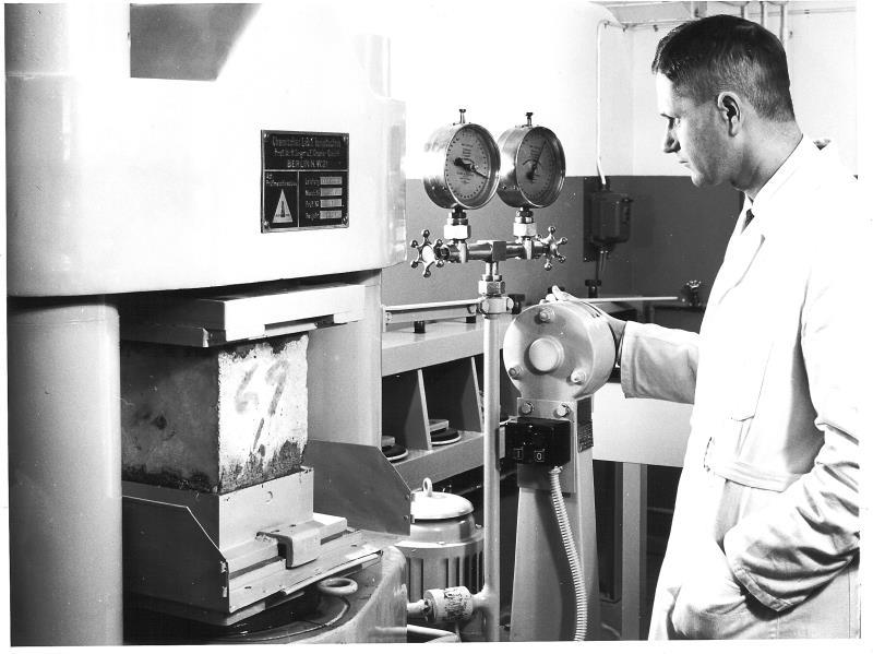 Bild5243 Cementfabriken Laboratoriet