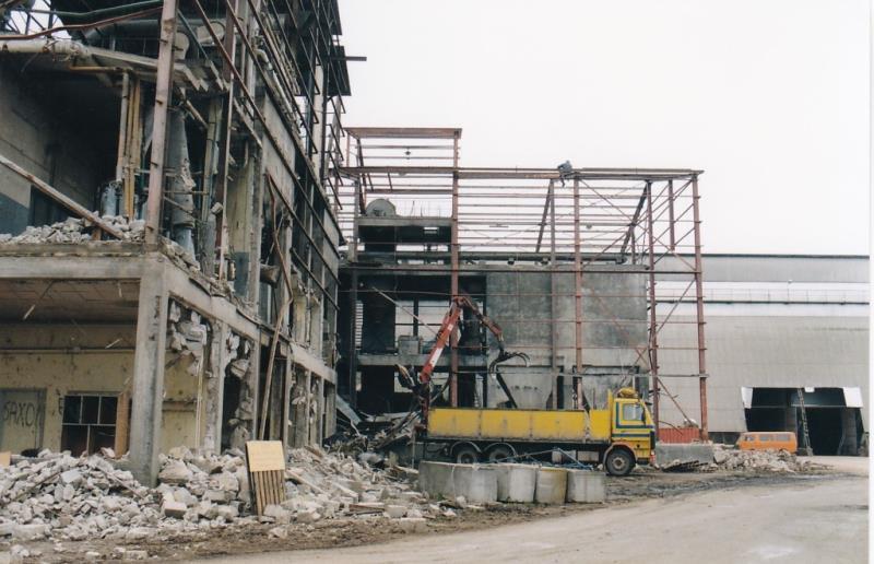 Bild4343 Rivning av Cementfabriken Hällekis